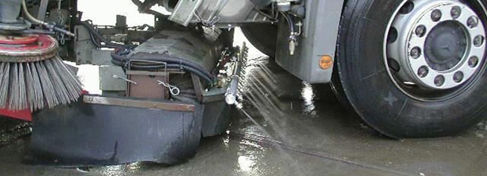 Kehrmaschine Kehrarbeiten Straßenarbeiten Straßenreinigung Straßen Kehrricht Kehrgut