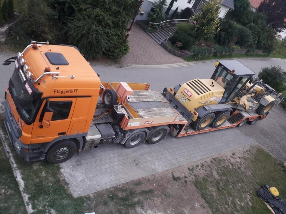 Tieflader Transport Erdbau Bagger Feuchtwangen Baggertransport Ansbach
